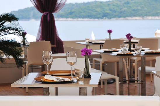 outdoor-restaurant